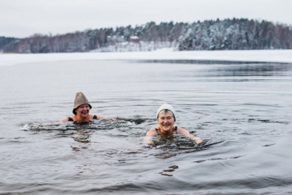 Winter Bathing in Labbnäs